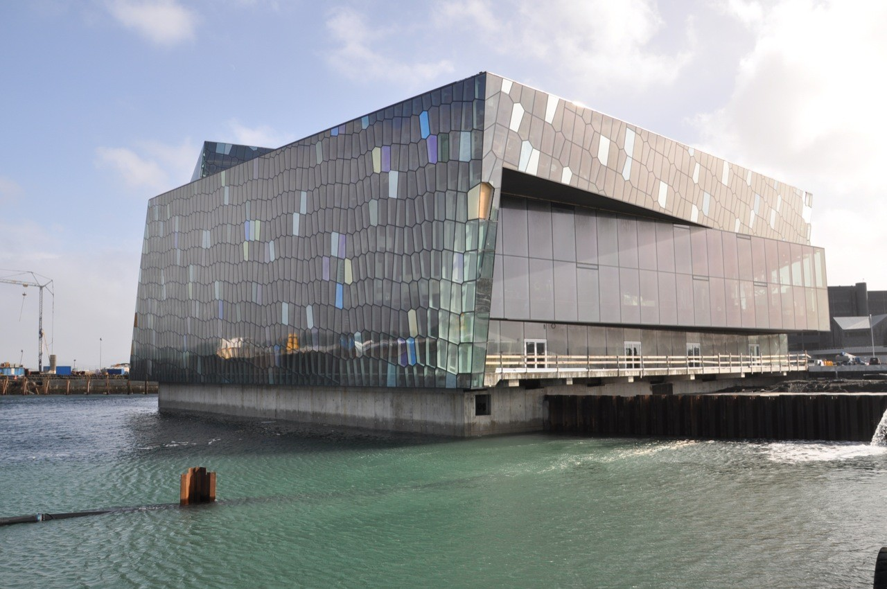 Winner / Harpa Concert Hall and Conference Centre / Courtesy of Henning Larsen Architects