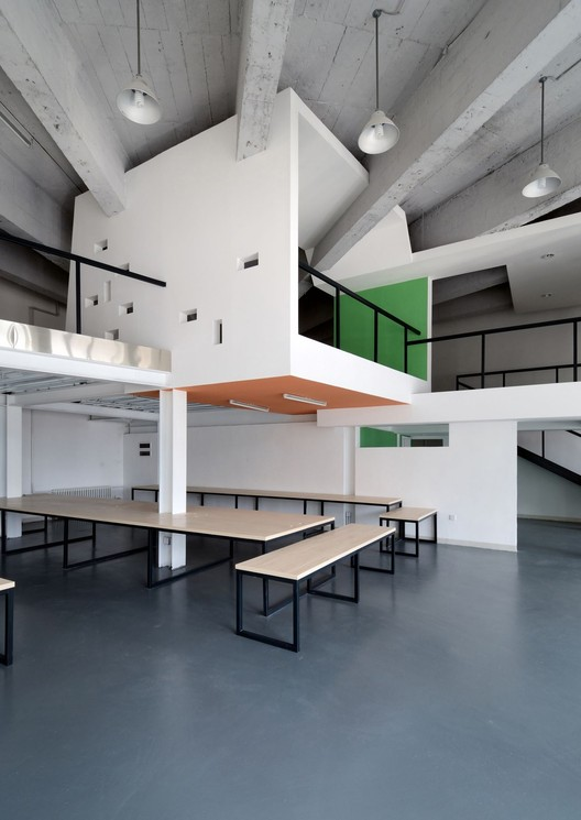 Had office had architects archdaily for Office design archdaily