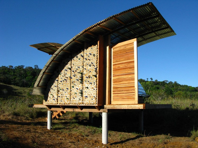 Eco-Cabañas en Venezuela / Kristofer Nonn , © Nick Brown / Open Architecture Network
