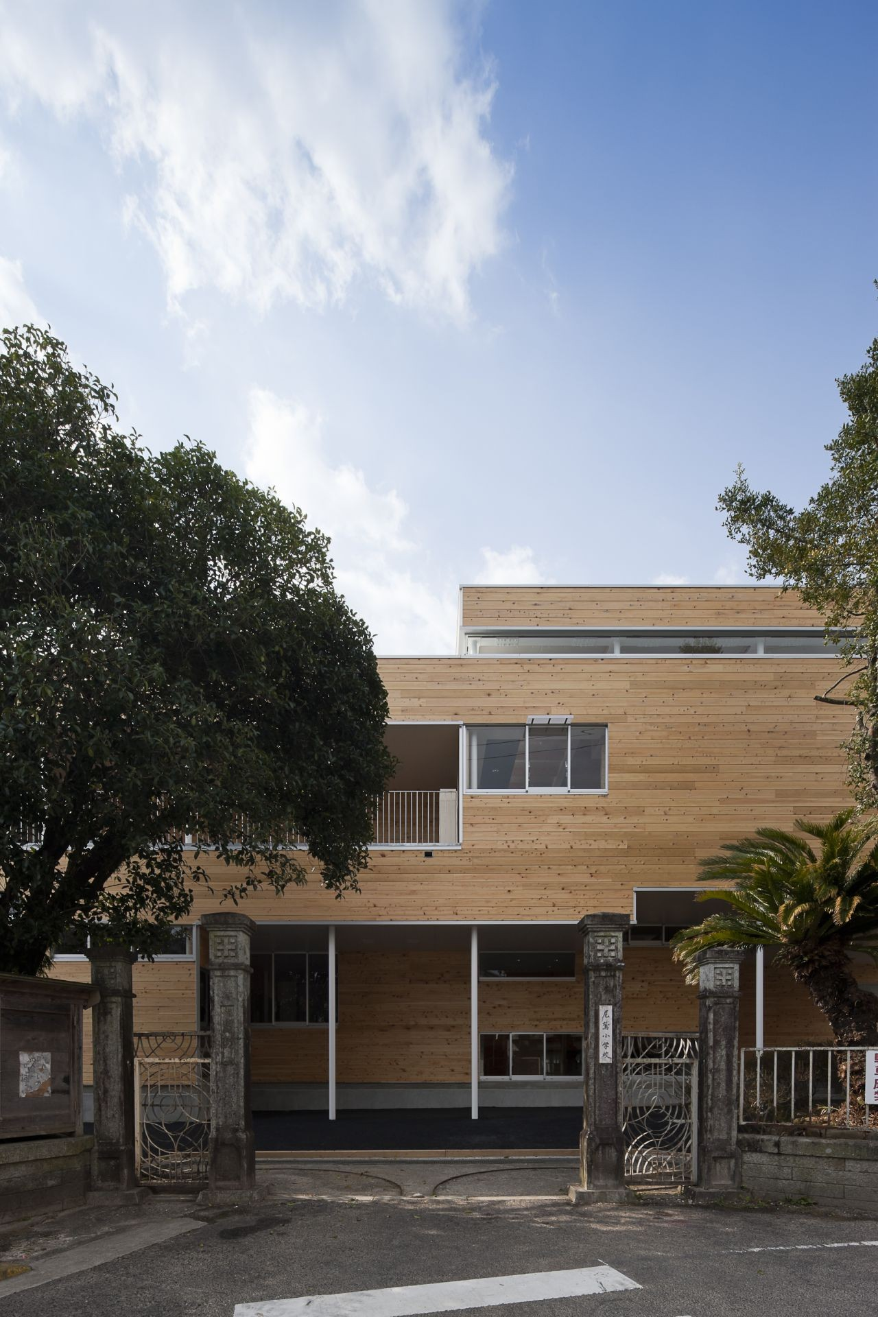 Owase Elementary School / C+A Coelacanth and Associates