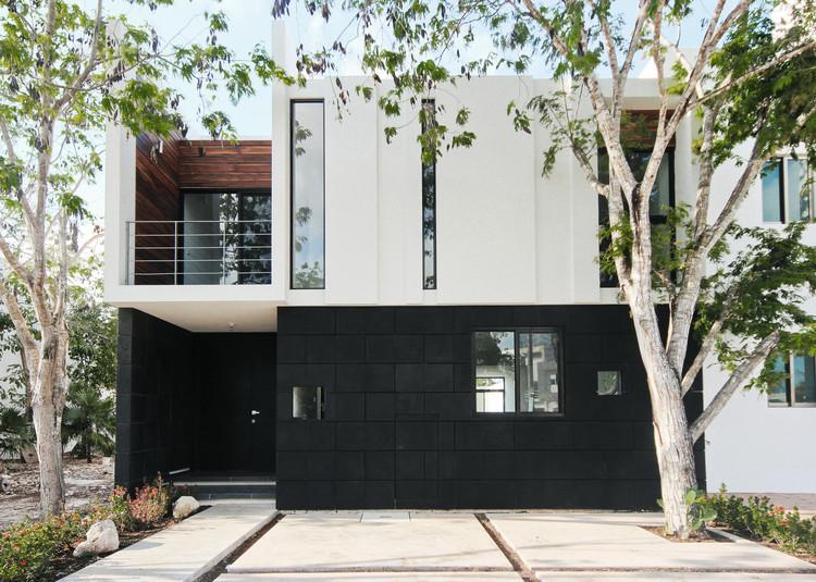 Casa W39  / Warm Architects, © Zaruhy Sangochian