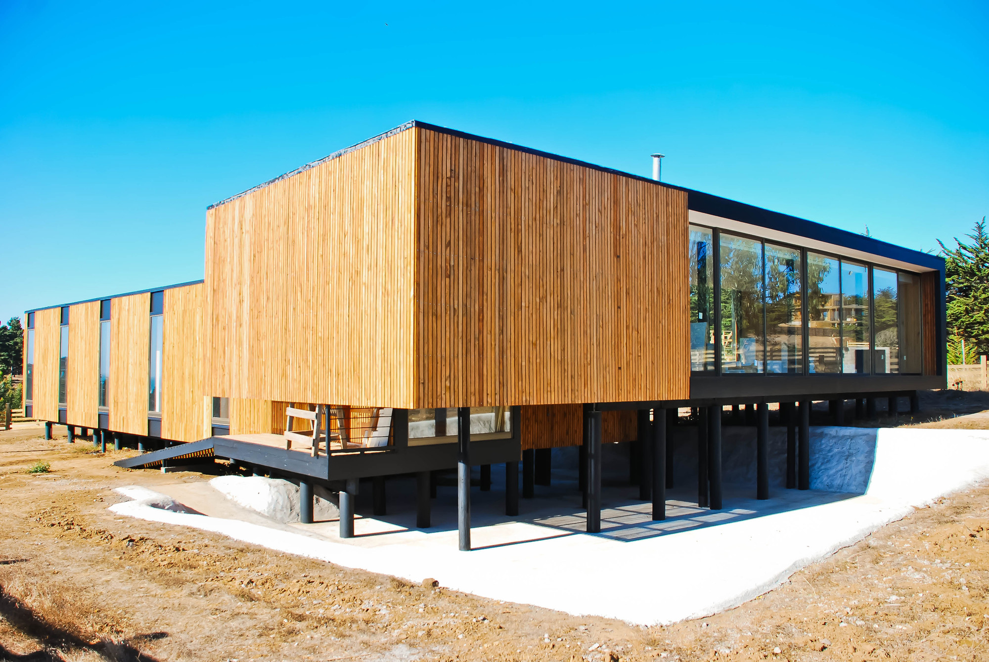 L House / LAARQ, Courtesy of LAARQ