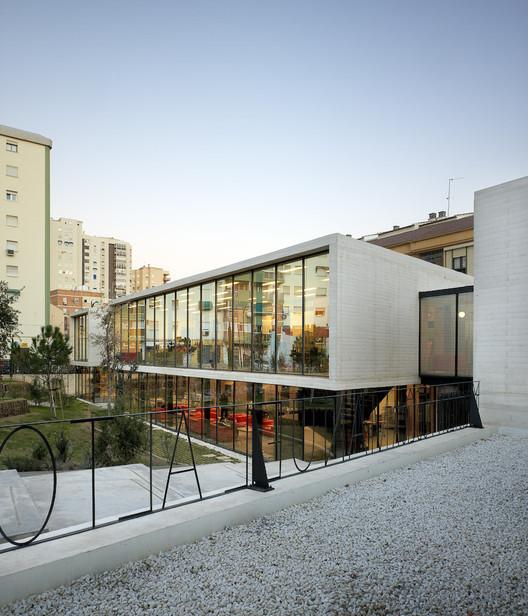 """Biblioteca Municipal """"Manuel Altolaguirre"""" / CDG Arquitectos, © Santos-Díez"""