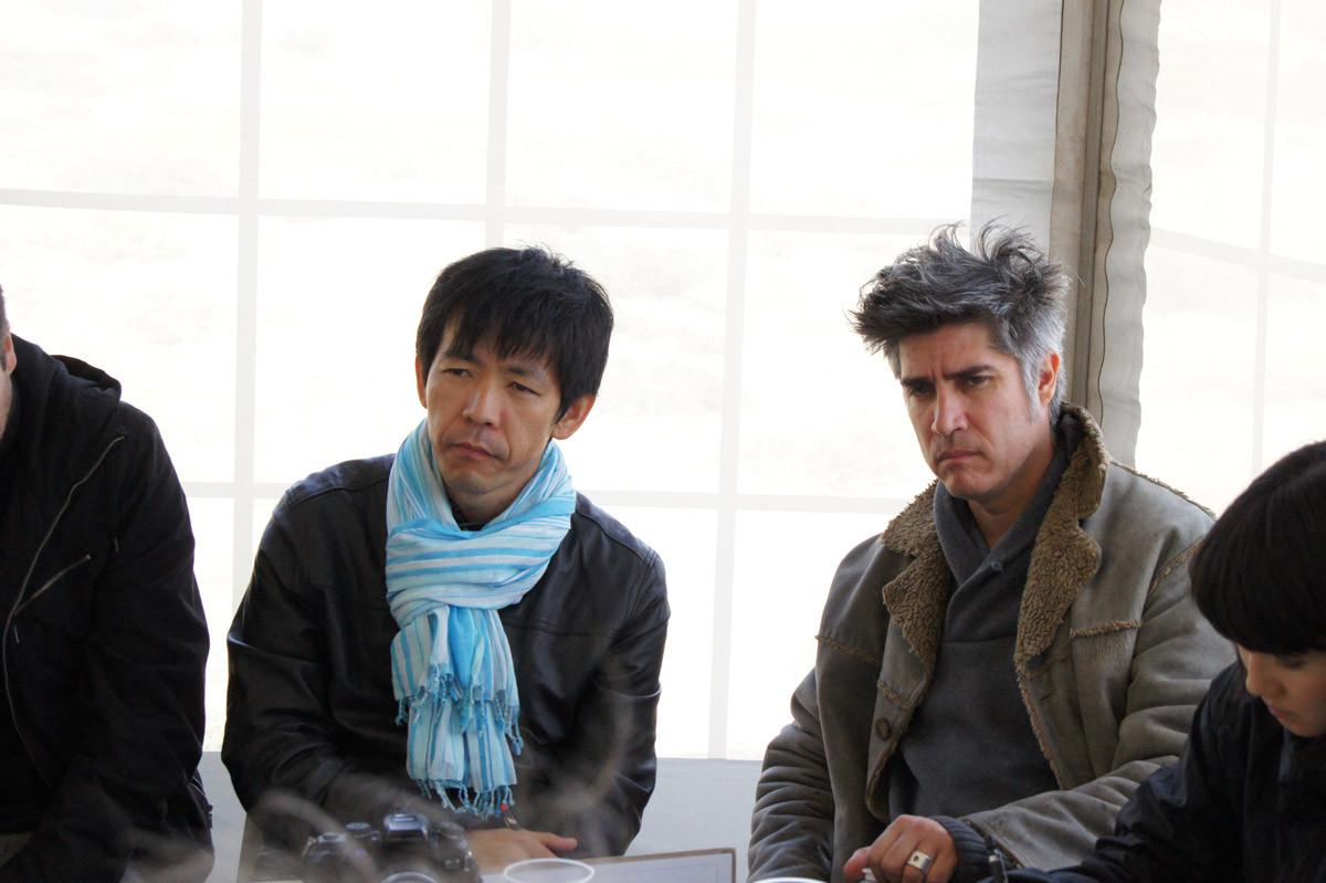 Yoshiharu Tsukamoto (Atelier Bow-Wow) y Alejandro Aravena (Elemental) © Cortesía de Ochoalcubo