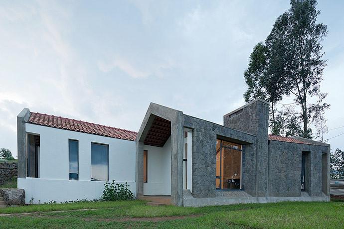 Butaro Doctors' Housing / MASS Design Group, © Iwan Baan
