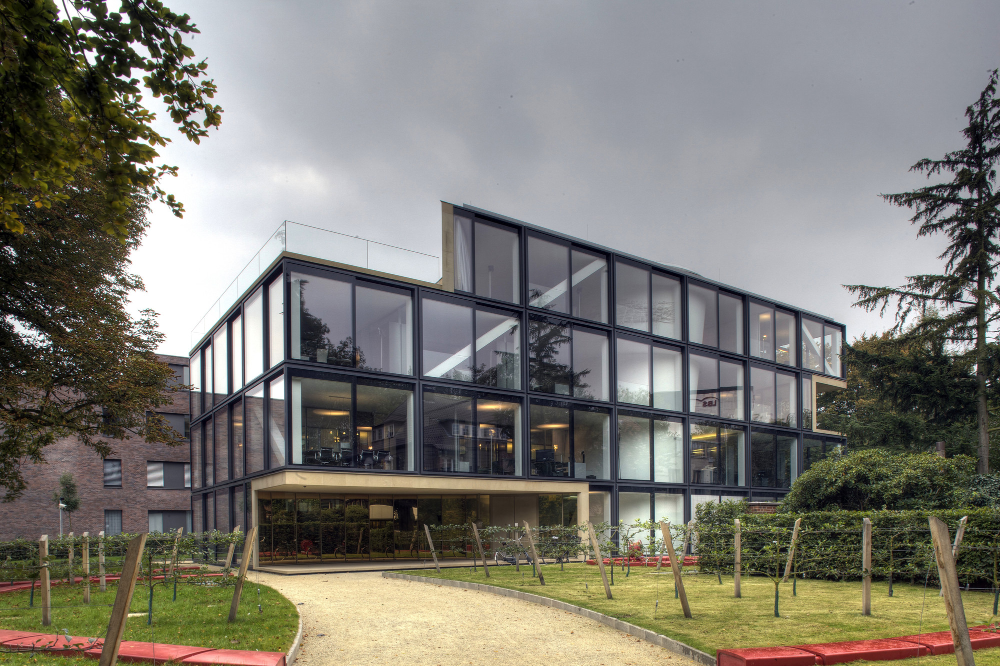 Office building allmann sattler wappner architekten for Office design archdaily
