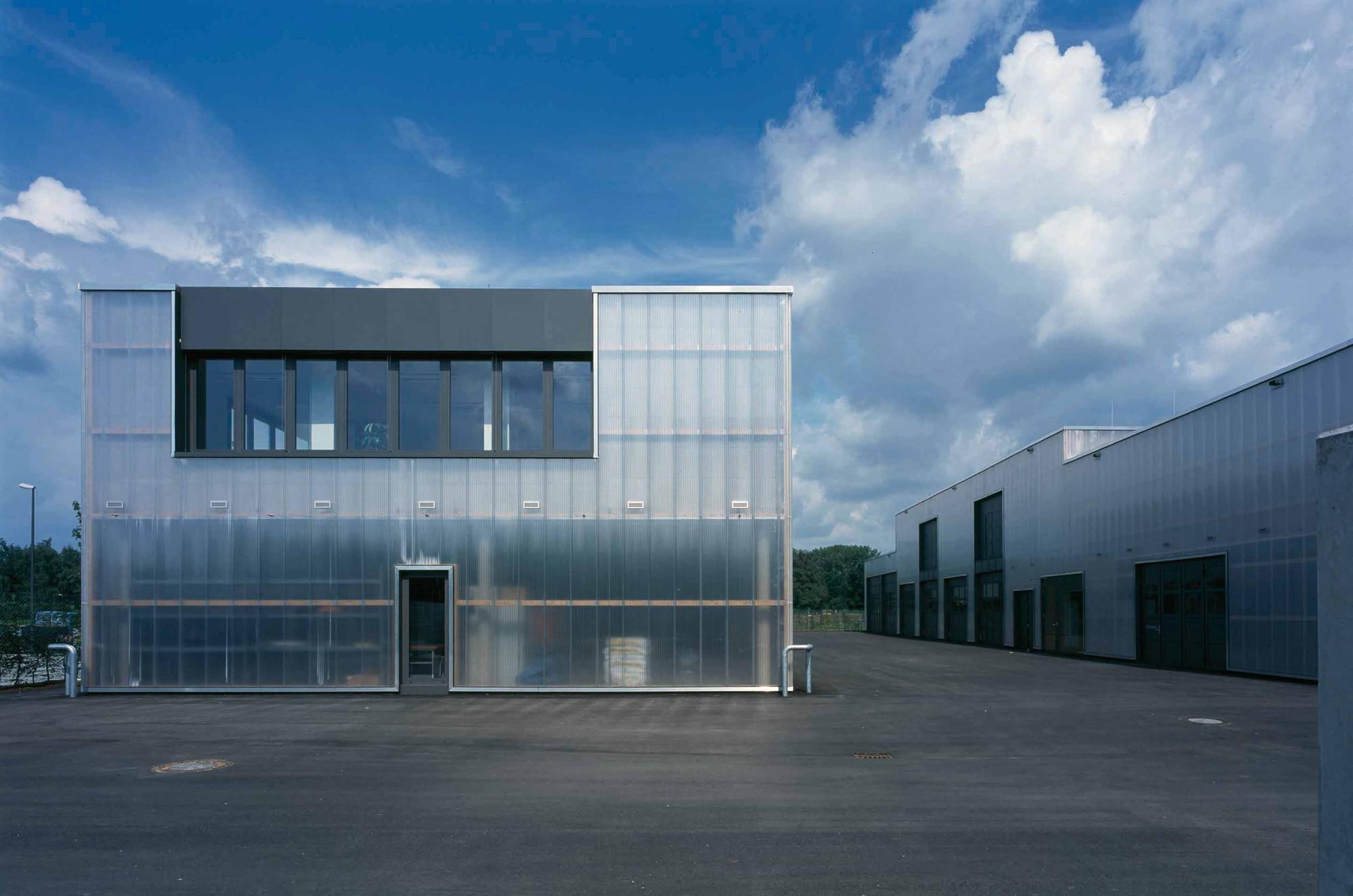 maintenance facility allmann sattler wappner architekten archdaily. Black Bedroom Furniture Sets. Home Design Ideas