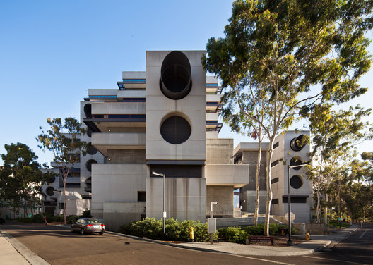 Jacobs School of Engineering © Darren Bradley