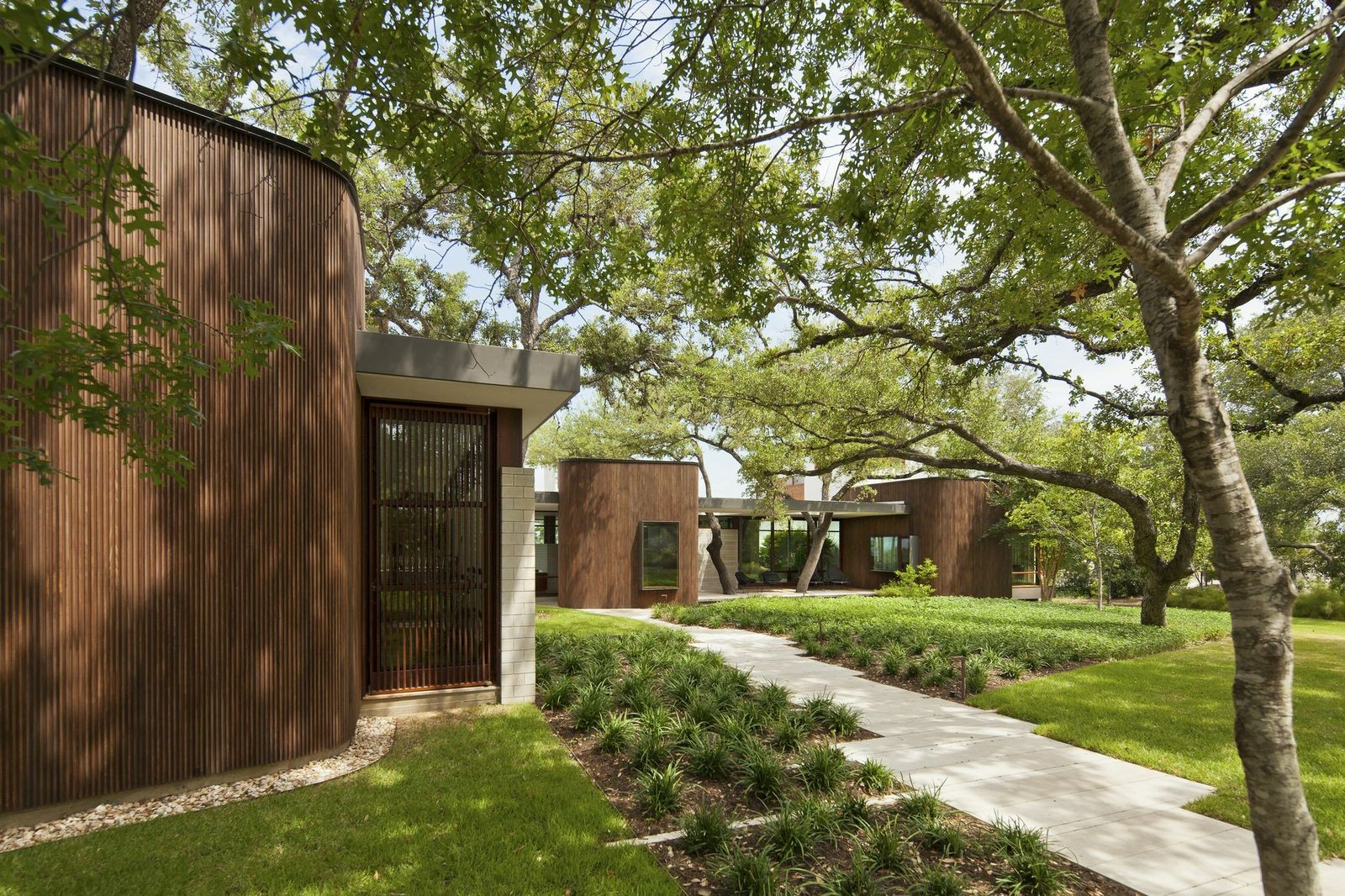 Lake View Residence; Austin, Texas / Alterstudio Architecture LLP © Patrick Wong, Casey Dunn