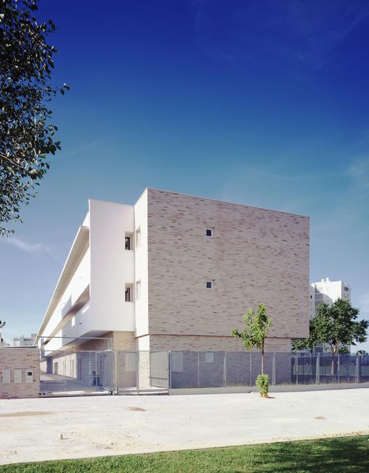 Tourist Apartments and Commercial Premises Valdelagrana / SV60 Arquitectos, © Jesús Granada