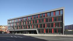 Estación de Bomberos 1 / agn Niederberghaus & Partner GmbH