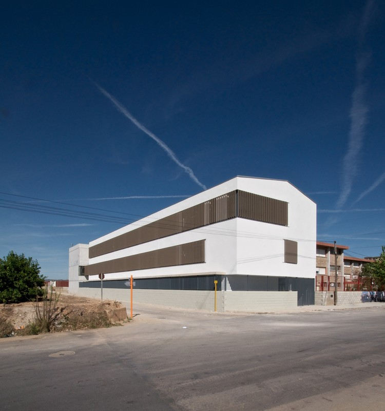 Instituto 9 d'Octubre en Carlet / García Floquet Arquitectos, Courtesy of García Floquet Arquitectos