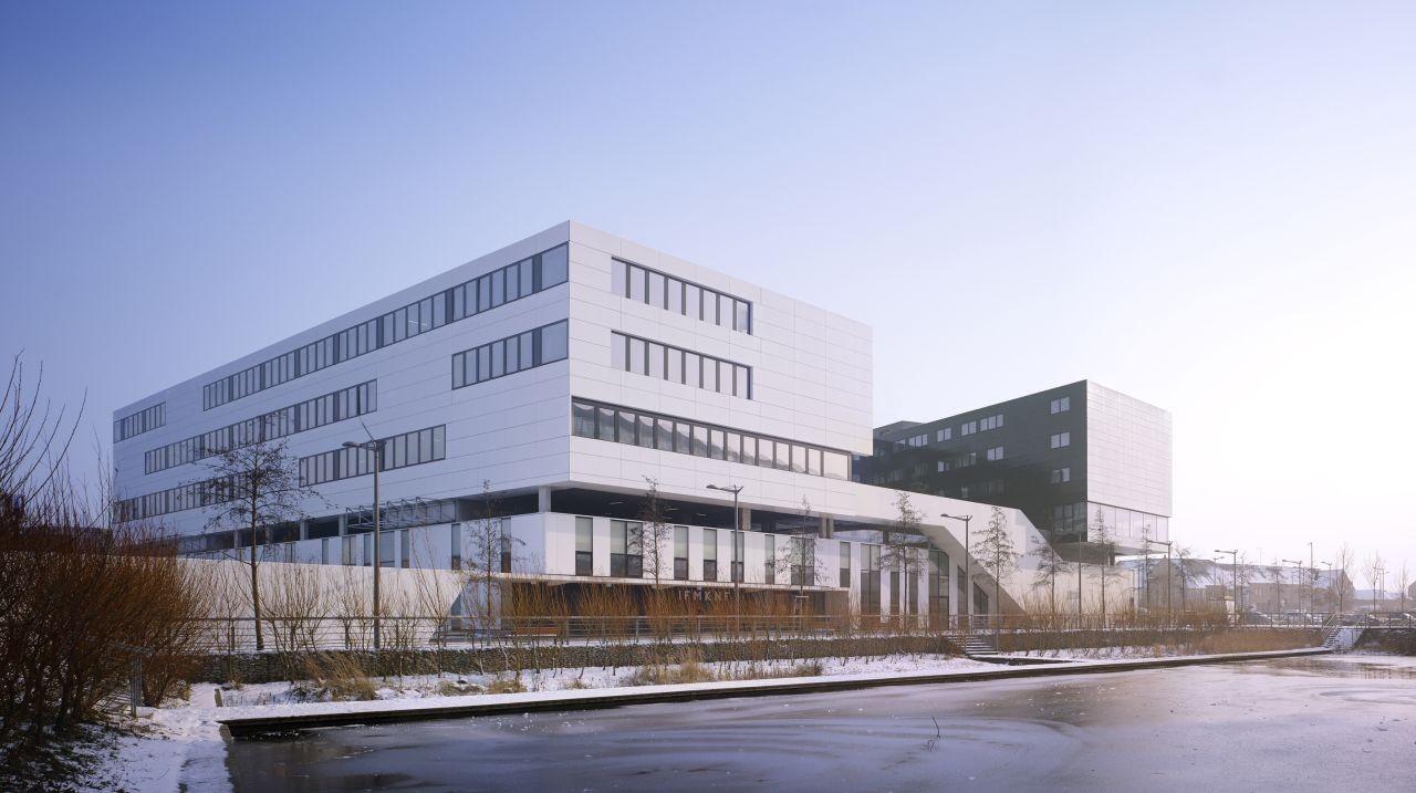Service Center Eurasanté / lalou+lebec architects, © Julien Lanoo