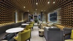 Mc Café el Zapote / Solis Colomer Arquitectos