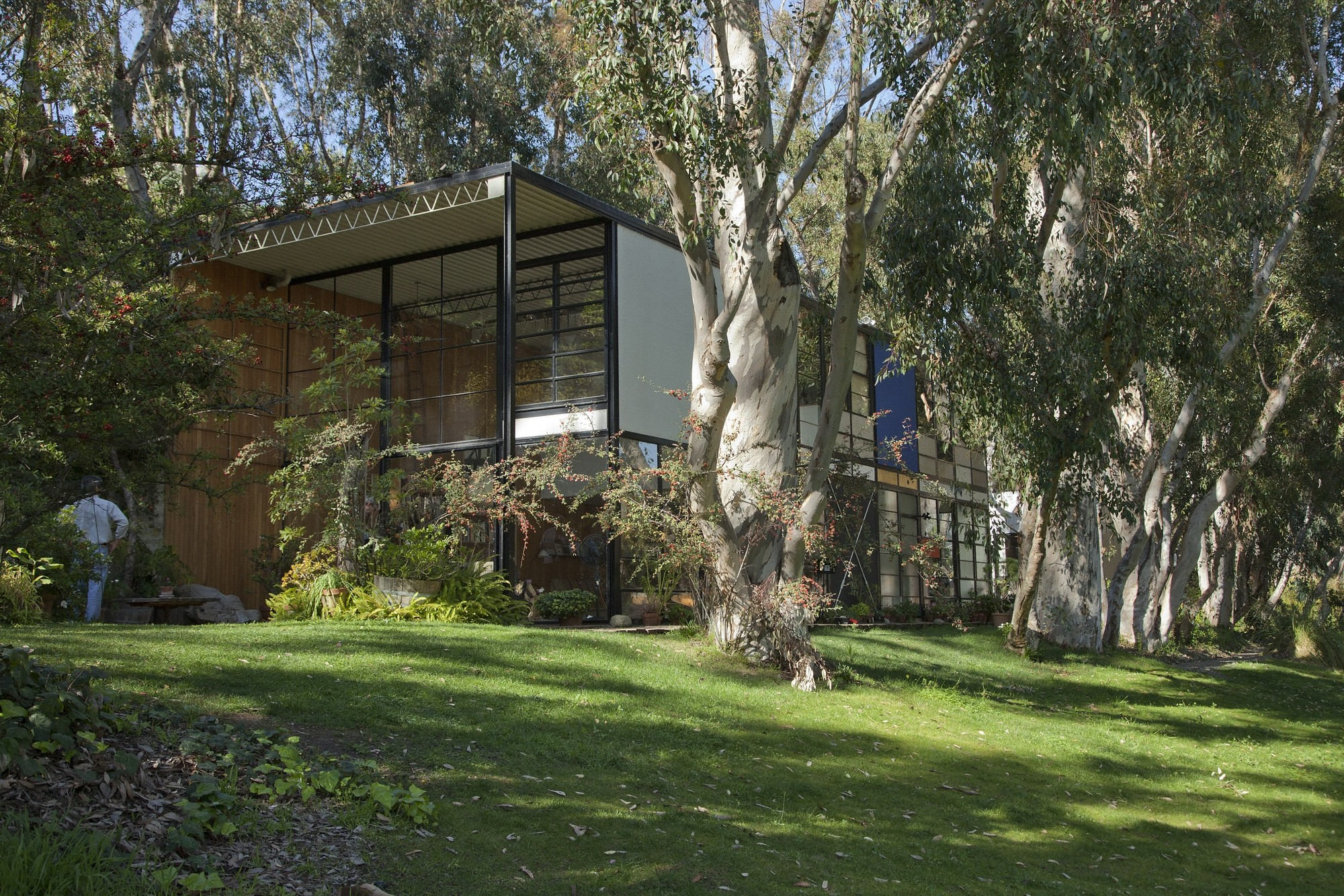 The Indicator: Pilgrimage, Experiencing the Eames House, © J. Paul Getty Trust