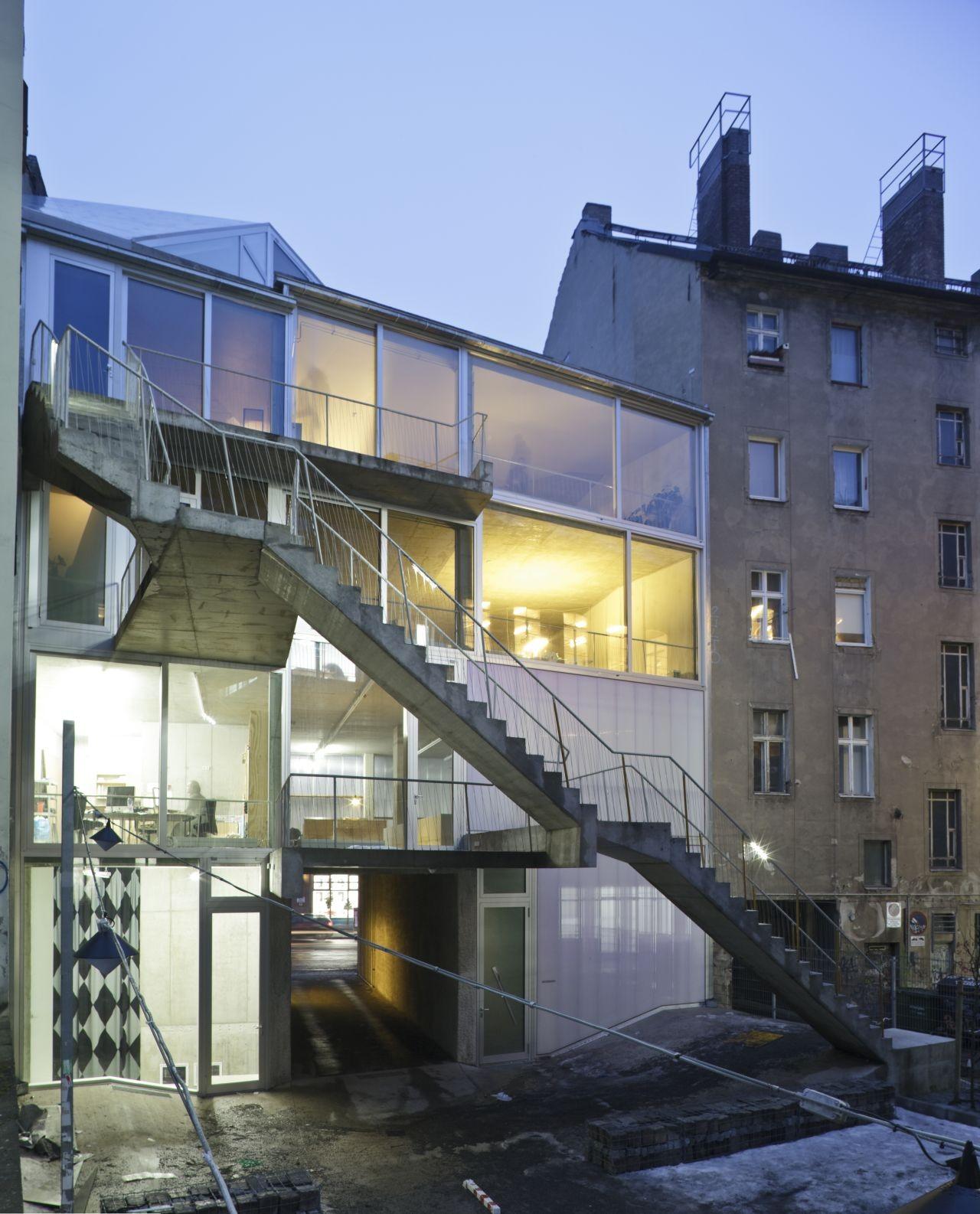 gallery of brunnenstrasse 9 brandlhuber 8. Black Bedroom Furniture Sets. Home Design Ideas