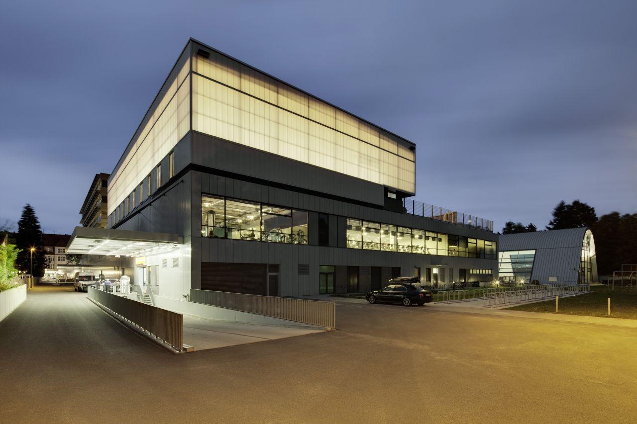 gallery of sports hall zehlendorfer welle ksp j rgen engel architekten 4. Black Bedroom Furniture Sets. Home Design Ideas
