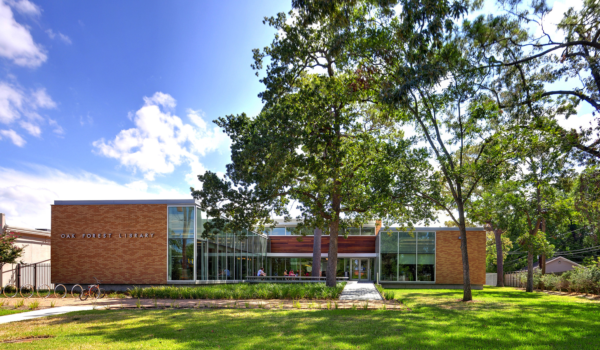 Oak Forest Neighborhood Library; Houston / NAAA + AWI + JRA © Light Sensible