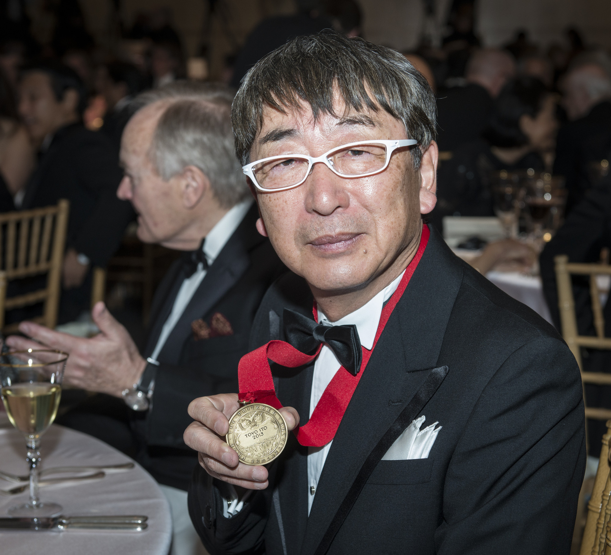 Toyo Ito with the Pritzker Medal