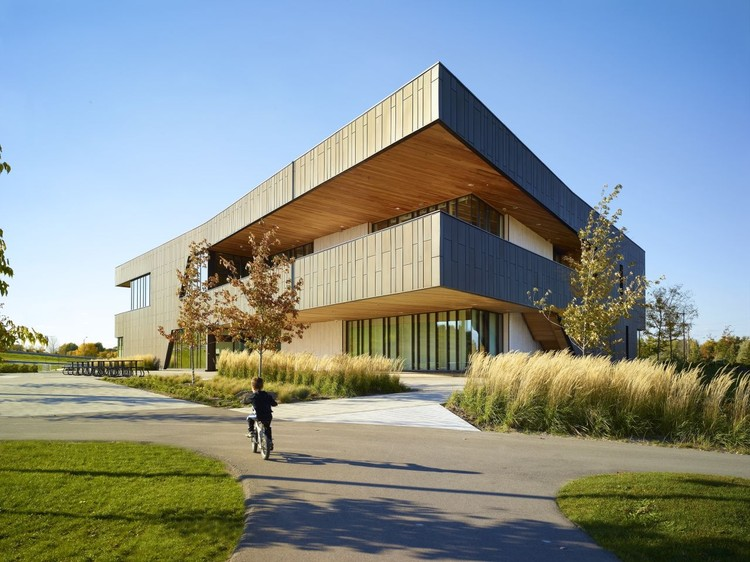 Reurbanización del Parque Chinguacousy  / MacLennan Jaunkalns Miller Architects, © Shai Gil