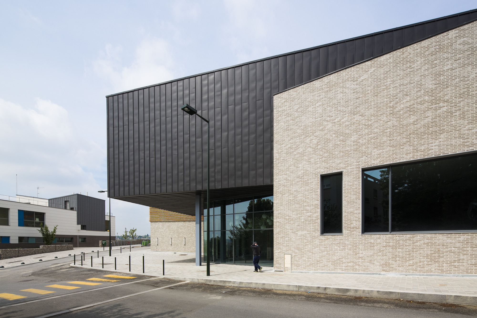 Gallery of janine jambu sports centre nomade architects 3 for Architecture nomade