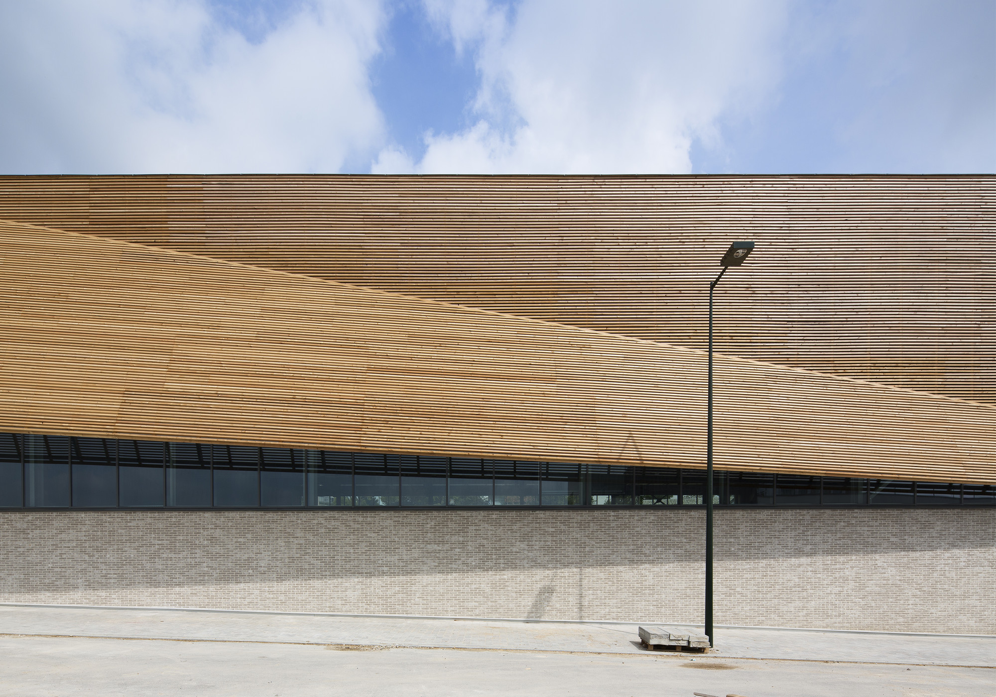 Gallery of janine jambu sports centre nomade architects 13 for Architecture nomade