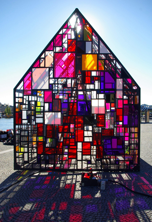 Courtesy of http://tomfruin.com/