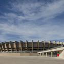 Lojas na esplanada sul © Leonardo Finotti