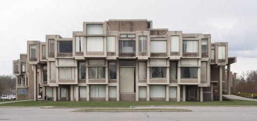 Southwest Elevation, Orange County Government Center, 2012, Goshen, NY. Photo by Sean Hemmerle. From the 2013 Graham Foundation Individual Grant to Sean Hemmerle and William Watson for Brutal Legacy: Paul Rudolph's Orange County Government Center