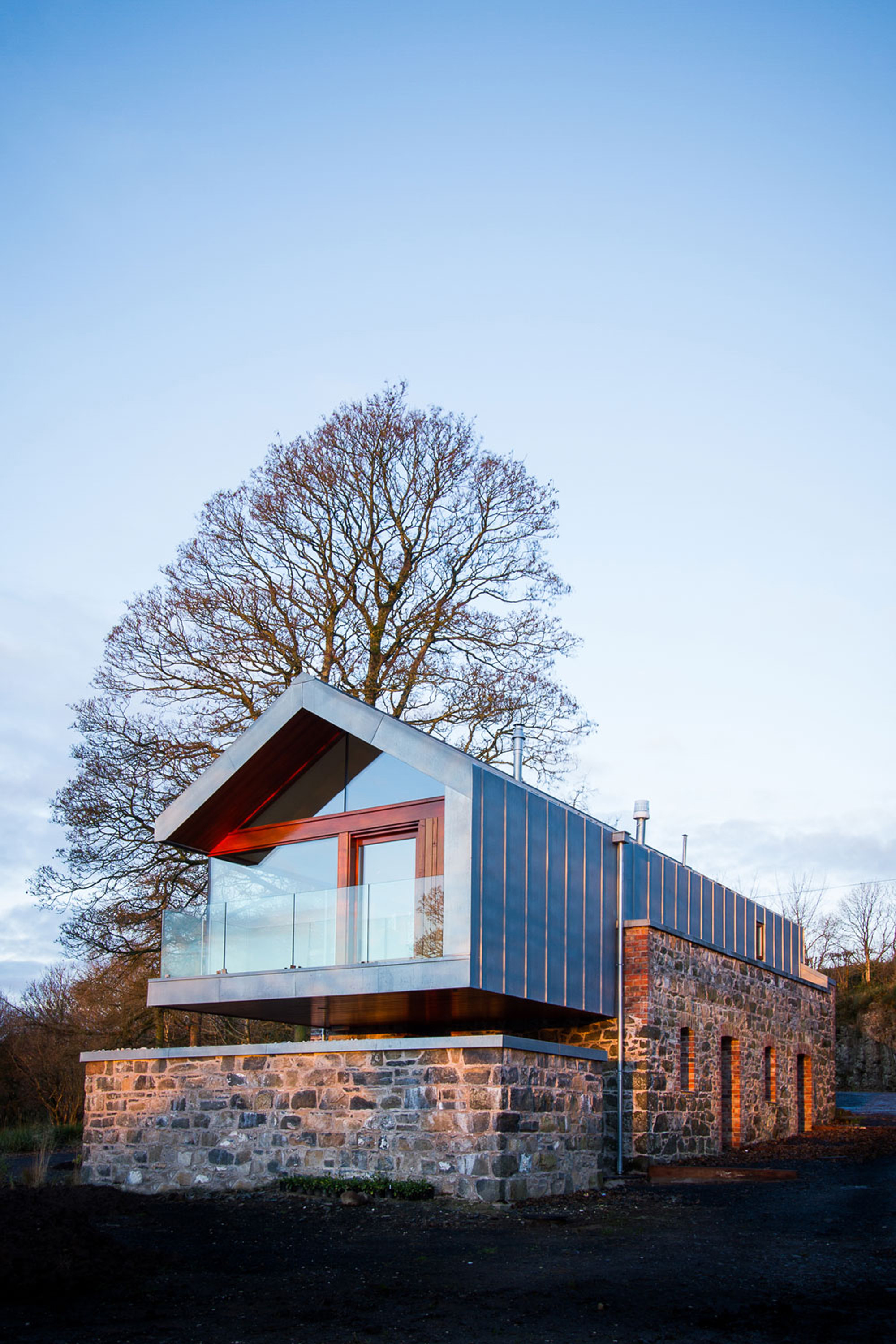 Gallery of loughloughan barn mcgarry moon architects 11 for Moon architecture