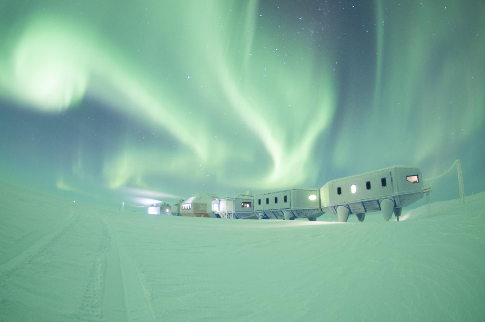 Halley VI, Copyright A.Dubber, British Antarctic Survey