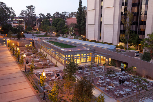 Education Award: University of California Los Angeles Court of Sciences Student Center / Safdie Rabines Architects