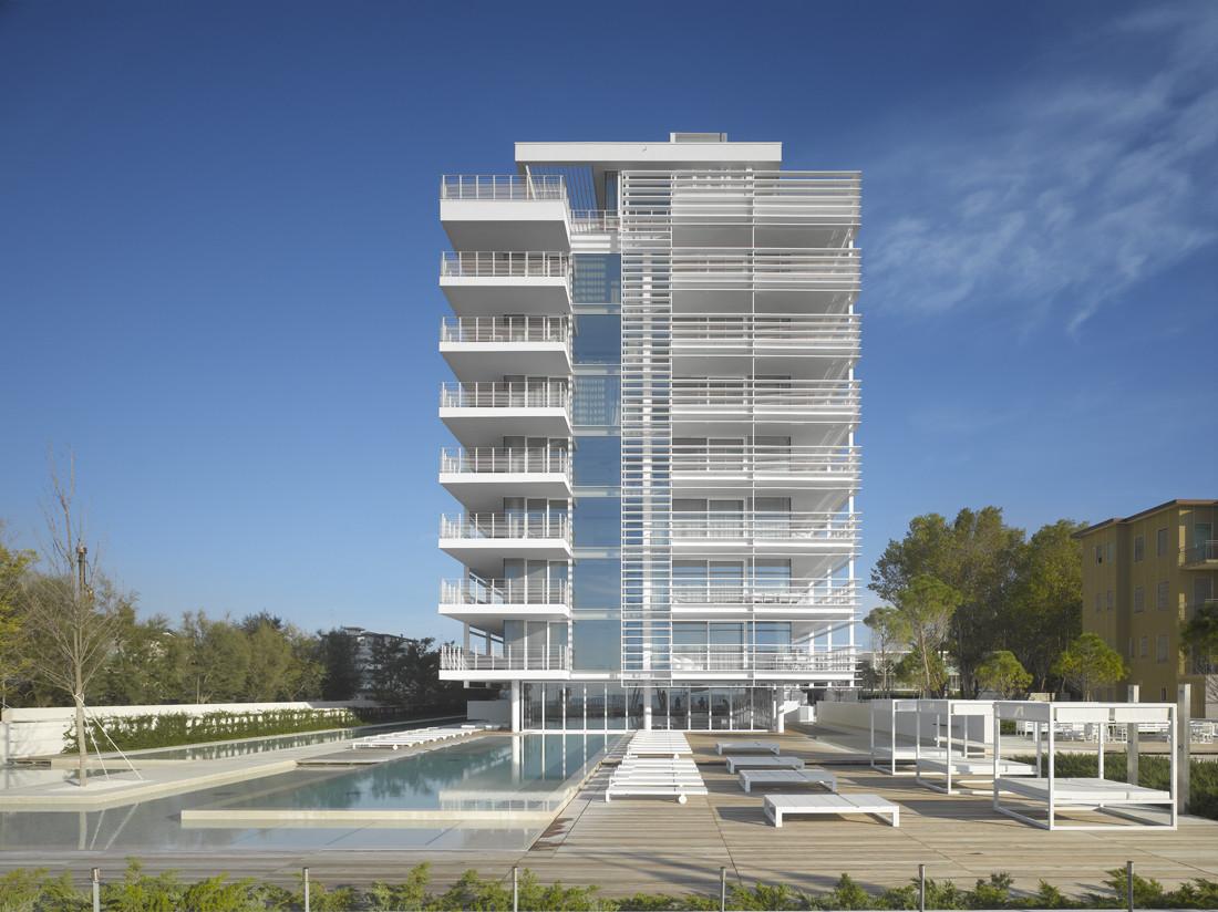 Jesolo Lido Condominium / Richard Meier & Partners Architects