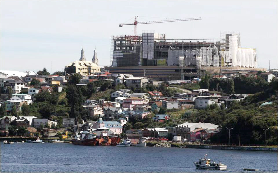 Informe presentado por la Unesco propone demoler pisos superiores del Mall de Castro en Chiloé