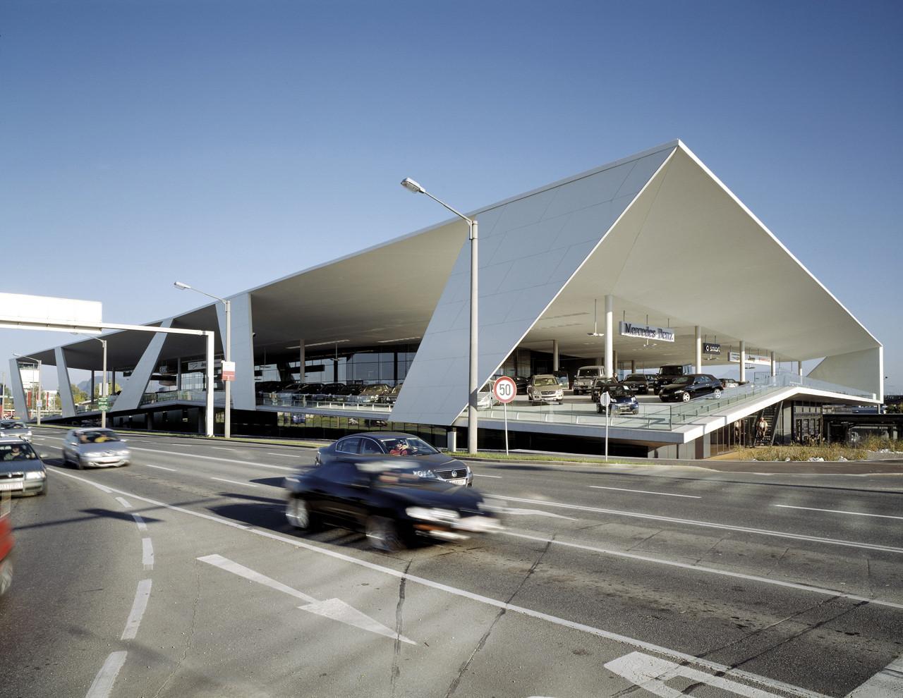 Pappas Headquarters - Mercedes Salzburg / Kadawittfeldarchitektur, © Angelo Kaunat
