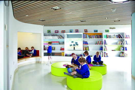 Jesmond Gardens Primary School, Hartlepool, Cleveland, TS24 by ADP © Andrew Heptinstall