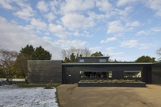 Crowbrook, Ware, Hertfordshire by Knox Bhavan Architects © Dennis Gilbert
