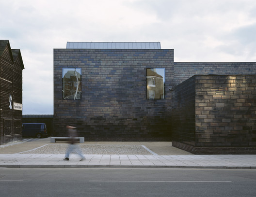 Jerwood Gallery, Hastings by HAT Projects © Loana Marinescu