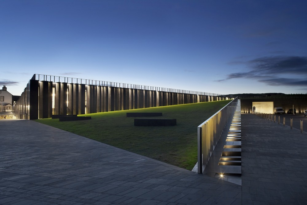 Giant's Causeway Visitor Centre by Heneghan Peng © Hufton + Crow