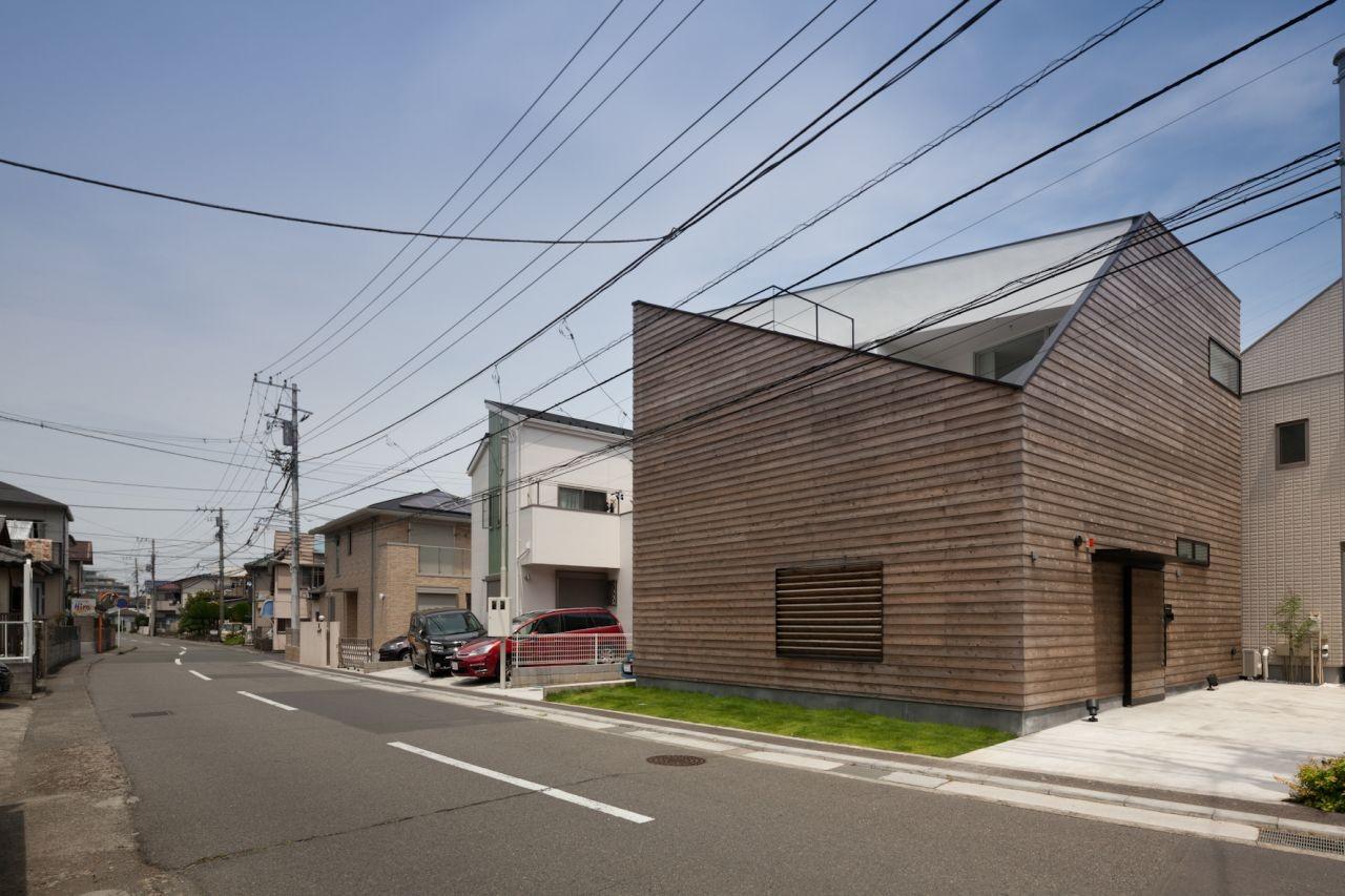 © Makoto Yoshida
