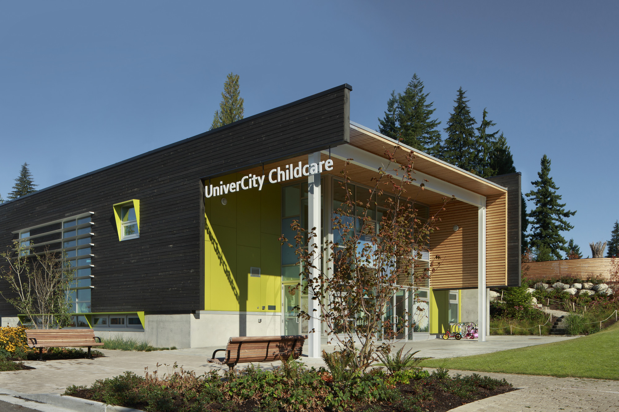 Gallery of sfu univercity childcare hcma 2 for Da architecture