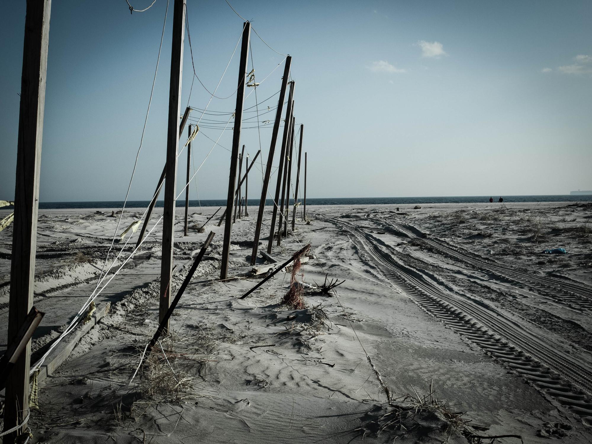 'Resilient Rockaways': MOMA PS1 Rockaway Call for Ideas Winning Proposal / Brennan Baxley, absent sand dunes / © Brennan Baxley