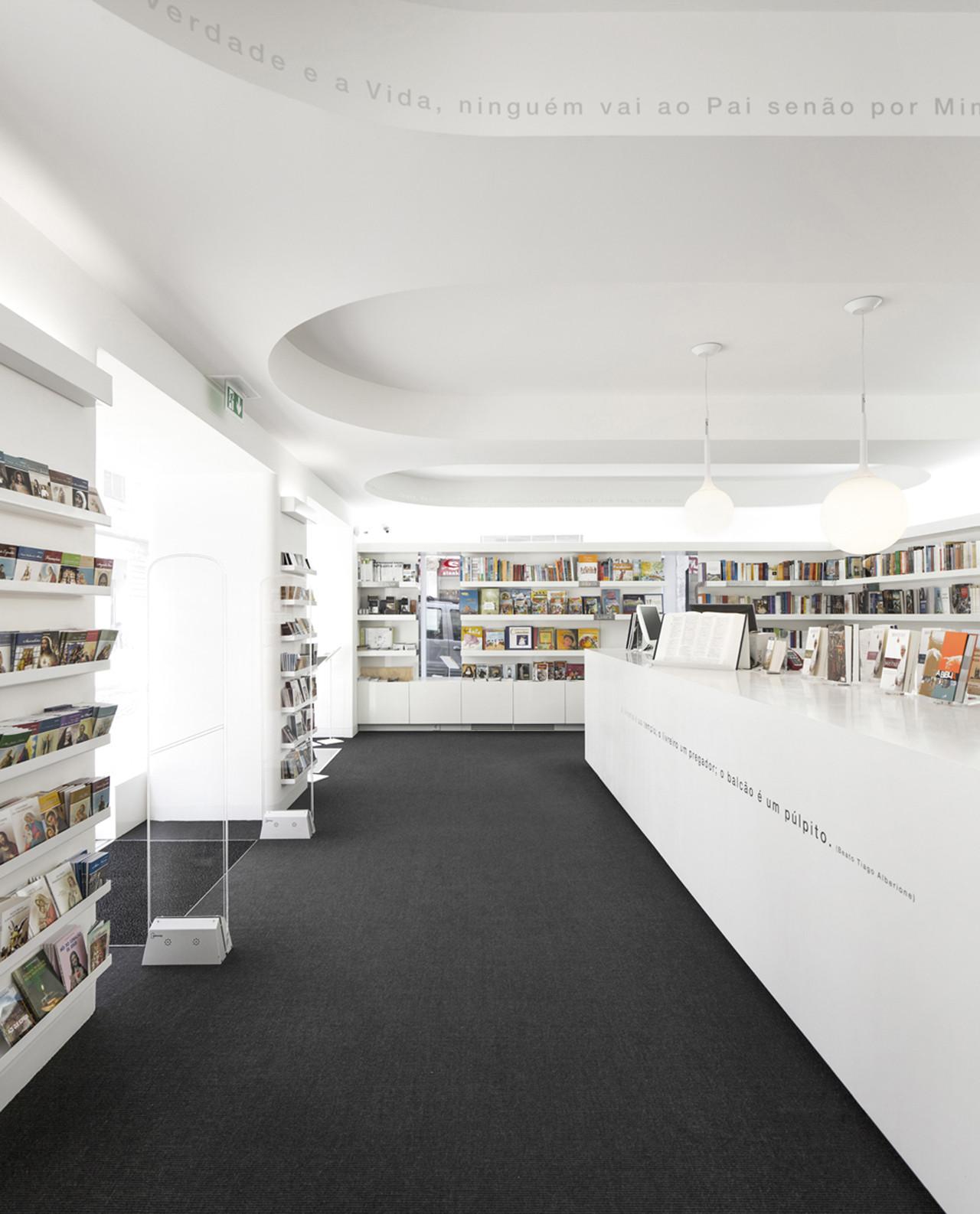 Paulus Bookshop / Site Specific Arquitectura