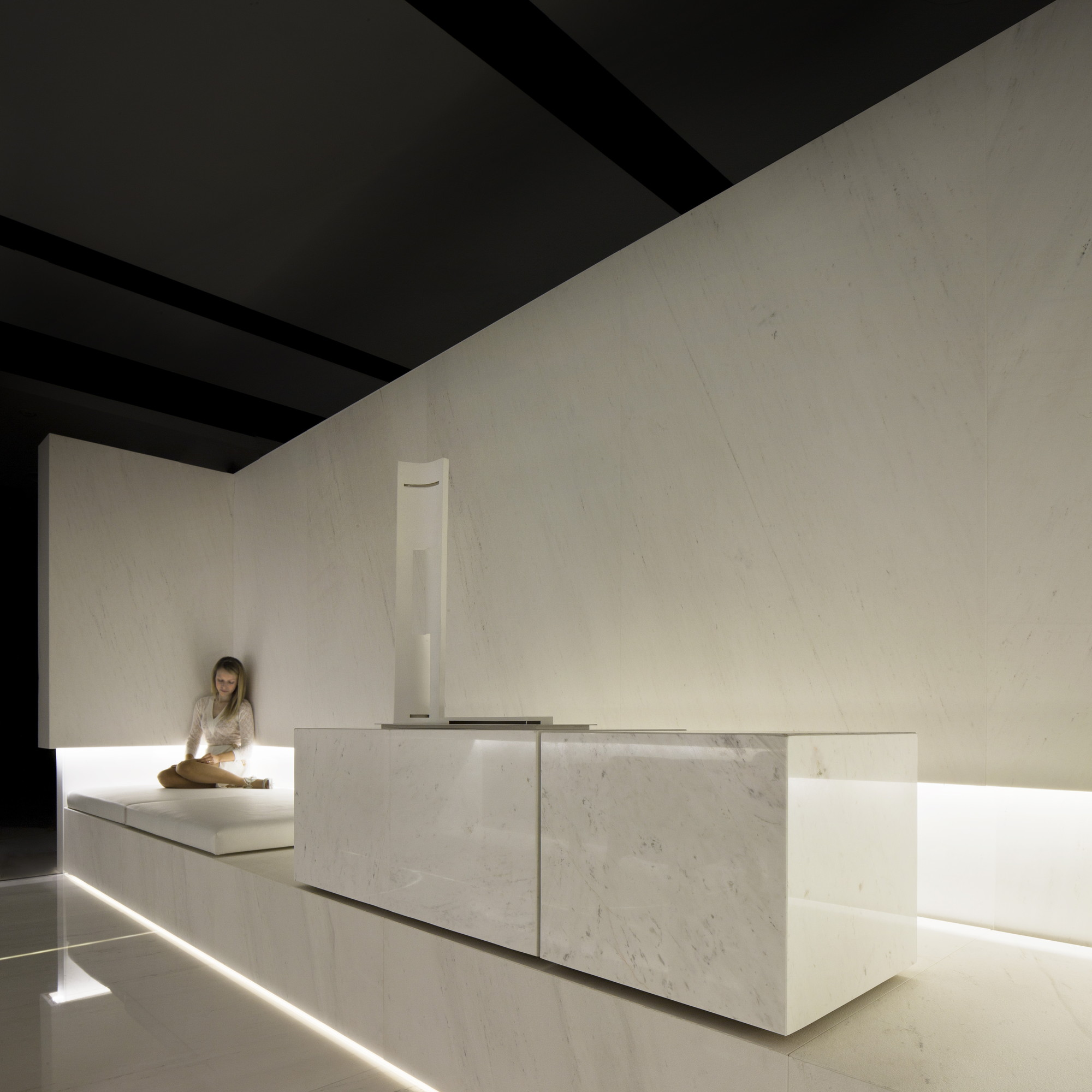 Blanc, Showroom L'Antic Colonial / Fran Silvestre Arquitectos
