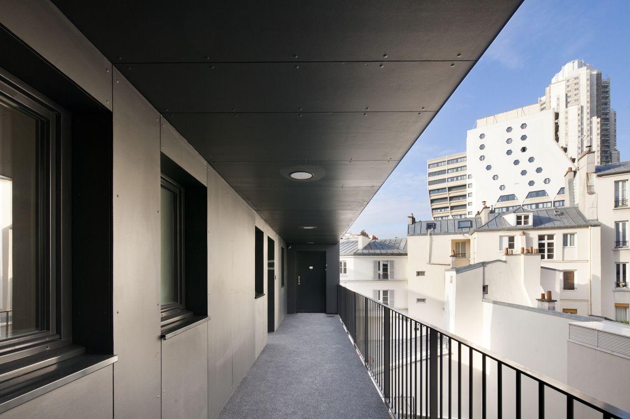 gallery of plein soleil rh architecture 10. Black Bedroom Furniture Sets. Home Design Ideas