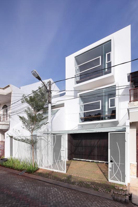 Split House / TWS & Partners, © Fernando Gomulya