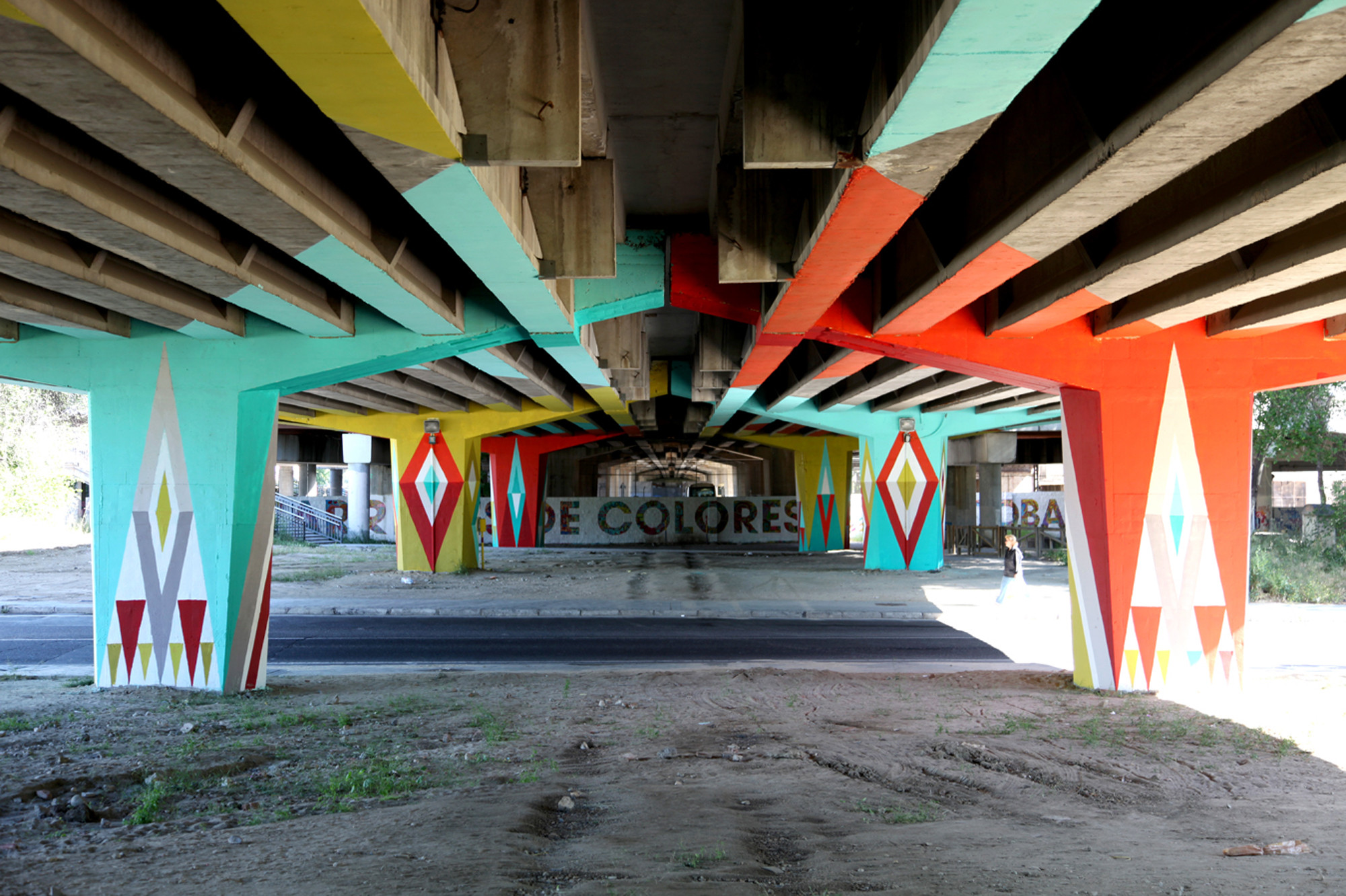 "Sinergias / Low Cost / Autobarrios: ""San Cristóbal"", Cortesia de Basurama - Sarah Fernández Deutsch"