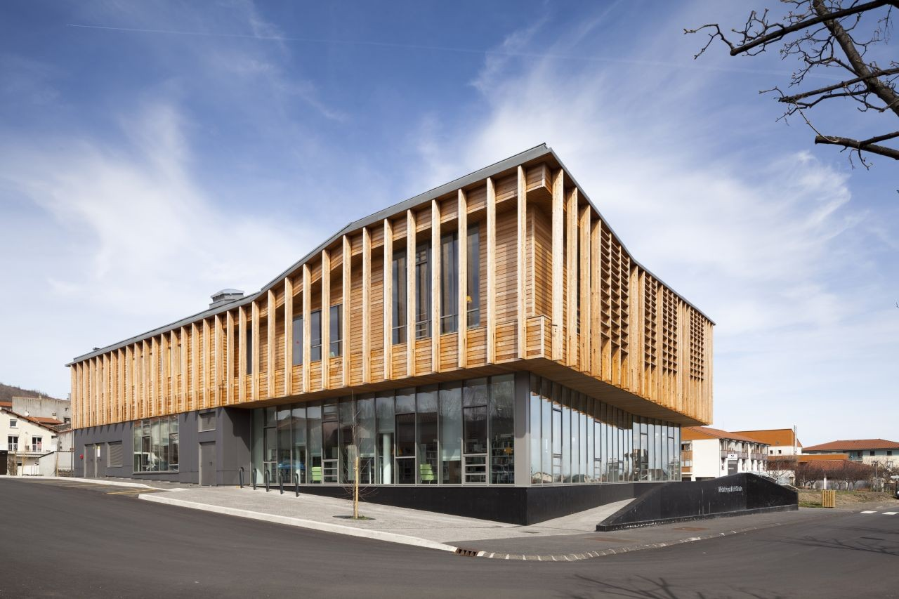 Aim c saire media library g architectes archdaily for Exterior research and design
