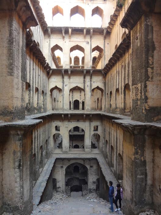 Neemrana Baoli, Neemrana, Rajasthan. Image © Victoria S. Lautman