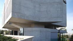Abitazione In Via Pesenti 91 / Matteo Casari Architetti